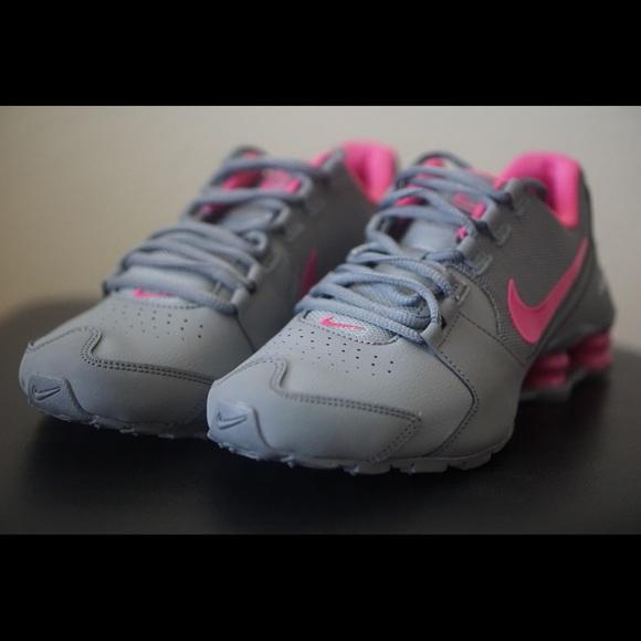 the best attitude ad236 7fc6b Nike Shox Avenue women s size 7.5 grey pink kids 6